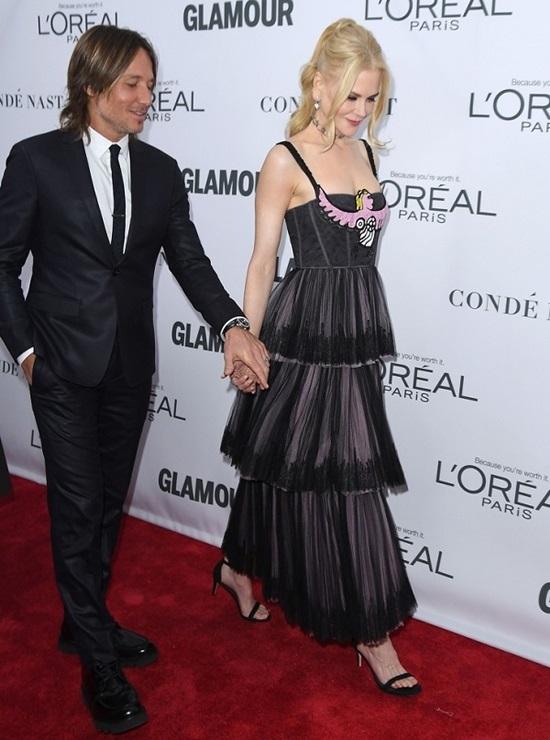 Nicole Kidman và Keith Urban đã kết hôn được 10 năm và họ vẫn sống hạnh phúc cùng nhau. Ai cũng biết họ có chiều cao tương đồng và trông rất hòa hợp.