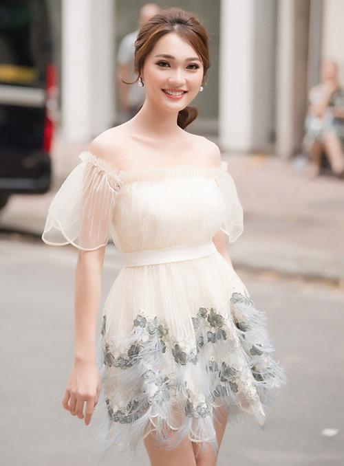 Ngọc Nữ được truyền thông chú ý khi tham gia Hoa hậu Việt Nam 2018.