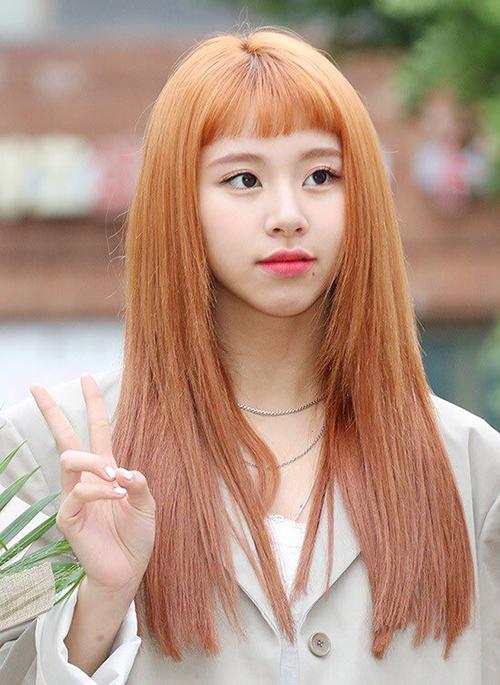 Chae Young chính là thành viên nổi nhất vì mái tóc cam và kiểu mái ngố.