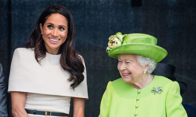 <p> Cụ thể, Nữ hoàng Elizabeth yêu quý nàng dâu mới của Hoàng gia Anh hơn Công nương Diana quá cố, người đã qua đời khi Hoàng tử Harry chỉ mới 12 tuổi.</p>