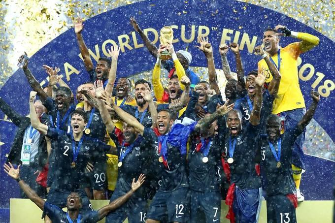 """<p> Trận đấu cuối cùng của World Cup 2018 kết thúc tối qua 15/7 và chiến thắng đã gọi tên """"Những chú gà Trống"""" nước Pháp. Nhà vô địch ngoài ẵm chiếc cúp vàng danh giá cũng nhận được phần thưởng 38 triệu USD. Đây là lần thứ hai nước Pháp lên ngôi vô địch World Cup kể từ năm 1998, đăng quang trên sân nhà.</p>"""