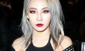 CL đối đầu ông chủ YG, được fan cổ vũ rời công ty