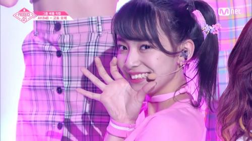 Goto Moe được khán giả Hàn yêu thích vì luôn tràn đầy năng lượng, chăm chỉ luyện tập. Fancam nhảy Like Ooh Ahh của cô nàng có lượng view cao. Moe được bầu chọn ở vị trí thứ 6 trong tuần xếp hạng đầu tiên.