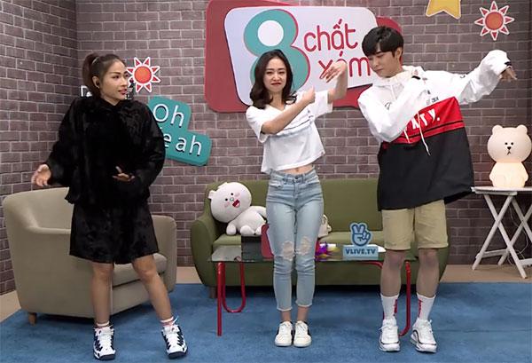 Bên cạnh thử thách diễn xuất, Jun Vũ còn cùng hai host của chương trình tham gia nhảy múa theo nhạc.