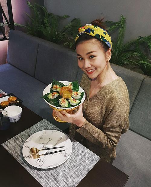 Thanh Hằng khoe món ăn đẹp mắt trong nhà hàng riêng cô vừa mở ít lâu.