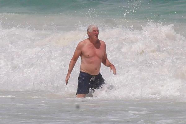 Đây là Richard của hiện tại. 68 tuổi và tăng cân đáng kể, thật khó nhận ra đây là thần tượng một thời mà chị em mê mệt.