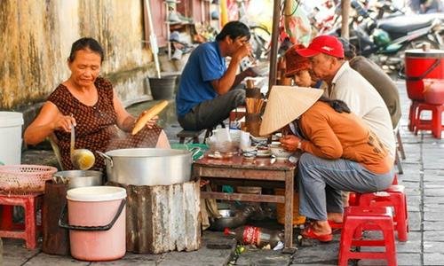Việt Nam qua góc nhìn của cô gái Nga: Con gì cũng ăn, nói gì cũng gật