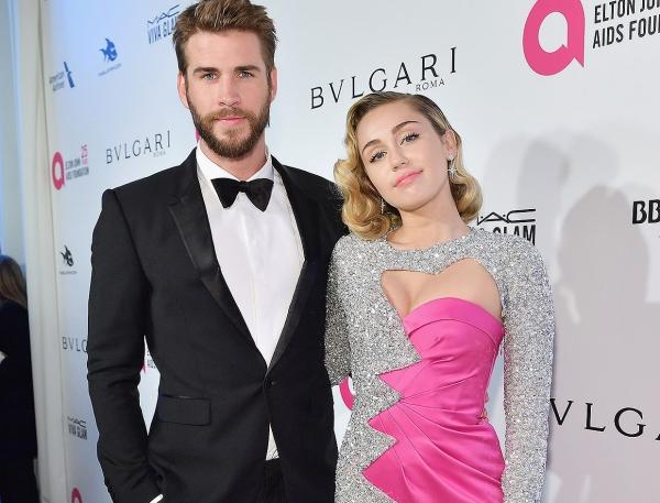 Miley thật sự chưa muốn kết hôn. Gia đình Liam van xin anh nhìn ra thực tế này nhưng Liam vẫn tin vào bạn gái để rồi giờ thấy mình như một tên ngốc vậy. Anh ấy sụp đổ vì nghĩ rằng Miley không nghiêm túc với mình, nguồn tin cho biết thêm.