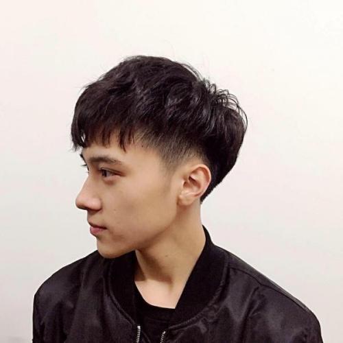 Không kém cạnh Xiao Jun, Hendery cũng là một cái tên được dự đoán sẽ trở thành mỹ nam thế hệ mới của Kpop trong tương lai.