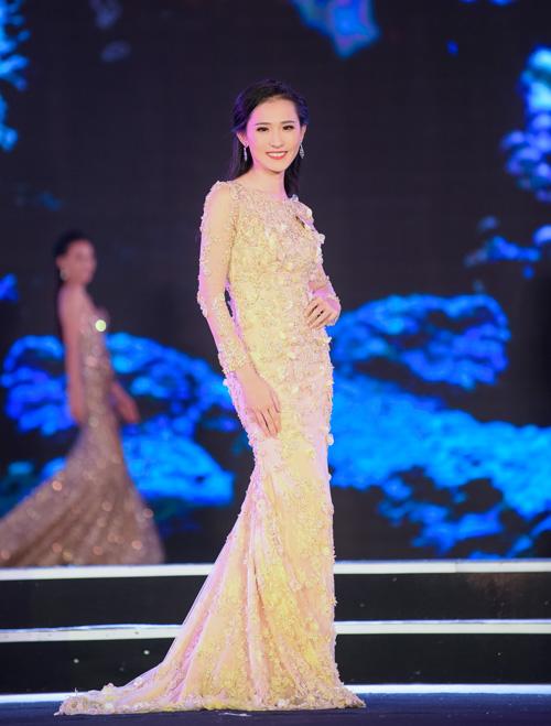 Phan Cẩm Nhi.