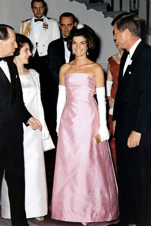 Những khoảnh khắc thời trang huyền thoại của Đệ nhất phu nhân Jackie Kennedy - 3
