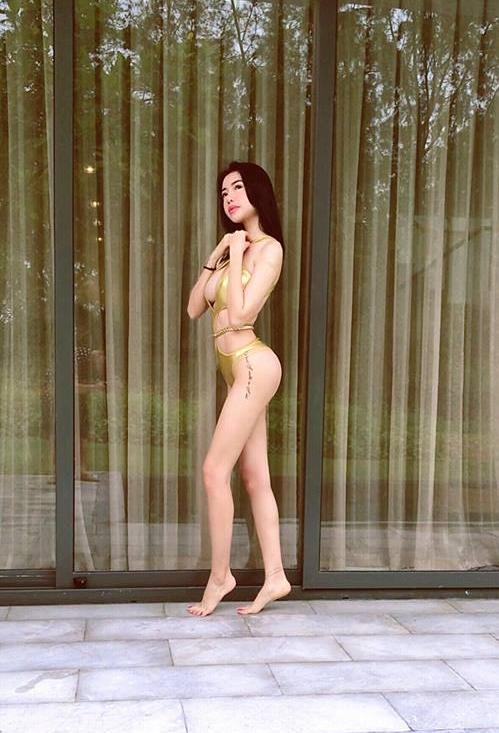 Độ sexy ngày một không thể nói đùa của Elly Trần