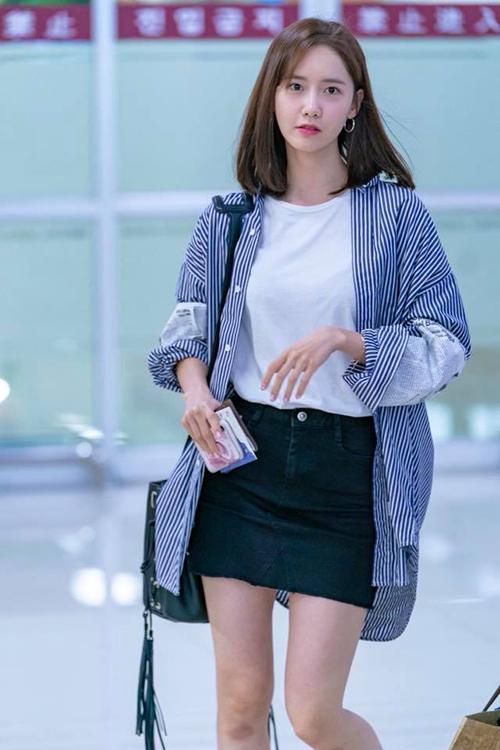 Jennie, Yeri khác lạ với phụ kiện cái xô, Yoon Ah khoe nhan sắc ở sân bay