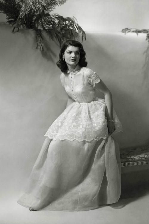Những khoảnh khắc thời trang huyền thoại của Đệ nhất phu nhân Jackie Kennedy