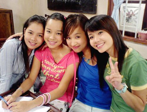 Bộ tứ Nhật ký Vàng Anh (từ trái qua phải): Linh Phương (Loan bà già), Minh Hương (Vàng Anh), Vân Hugo (Minh) và Ngọc Hà (Mai).