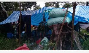 Thắt lòng trước khoảnh khắc đợi chờ cứu hộ của người Lào sau sự cố vỡ đập