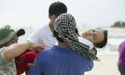 Việt Hương ngất xỉu vì bị 'hành xác' trong phim mới
