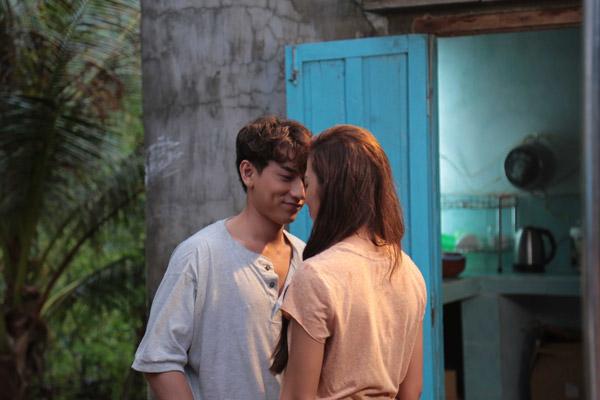 Chuyện tình cảm của anh với Phan Ngân cũng gây tò mò cho khán giả.
