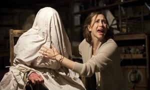 Hậu trường ma ám của 'The Conjuring' khiến nữ chính không dám mang kịch bản về nhà