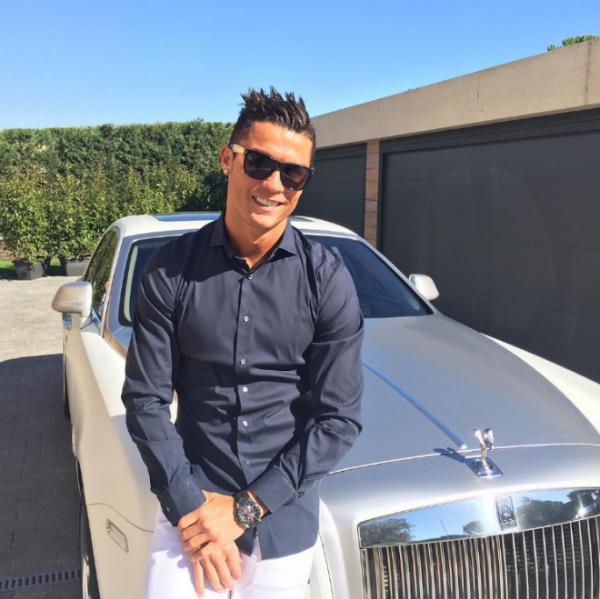 Kylie kiếm tiền khủng nhất từ Instagram: 1 triệu USD cho 1 post - 3