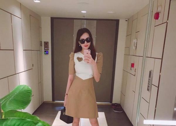 Vóc dáng của Hoa hậu Đặng Thu Thảo sau khi sinh con.