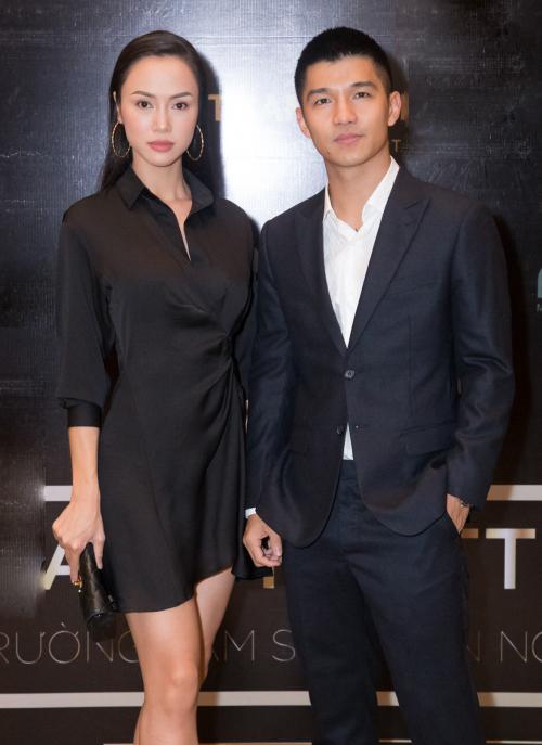 Chiều 26/7, tại một sự kiện về quỹ đầu tư giải trí Việt Nam nói về việc đầu tư sản xuất phim ảnh thu hút sự quan tâm của các tín đồ điện ảnh, các nhà sản xuất, các nhà làm phim và các diễn viên. Cặp đôi Cường Seven - Vũ Ngọc Anh xuất hiện trên thảm đỏ gây chú ý.