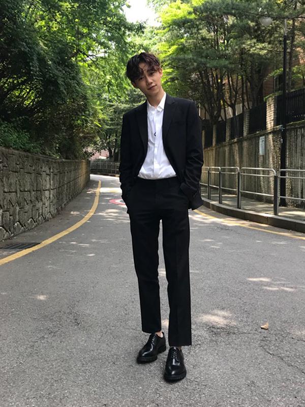 Vẻ ngoài lãng tử và đôi chân dài miên man của Park Ji Bin trong tạo hình cho drama mới - Tofu Persionified.