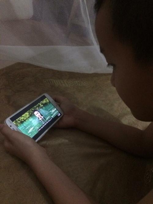 Ngộ nghĩnh loạt ảnh fan nhí cày view cho nàng tiên cá Hòa Minzy - 9