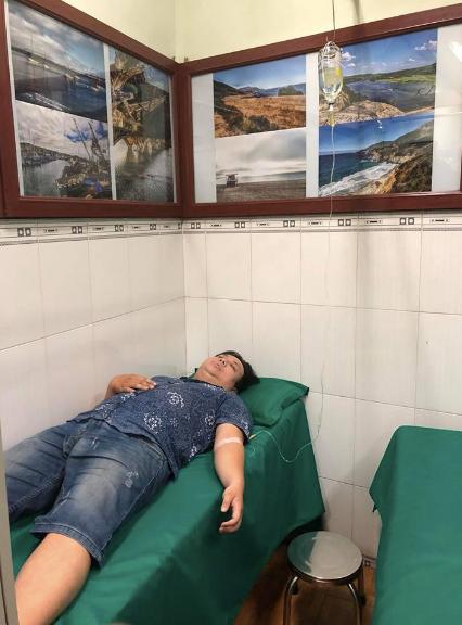 Nghệ sĩ Gia Bảo nhập viện vì kiệt sức.