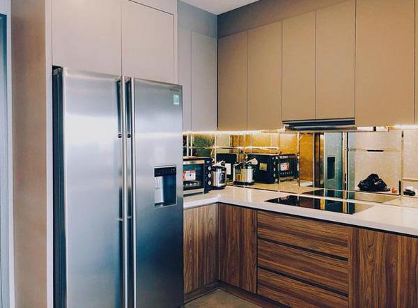 Thiết kế căn hộ này của Midu mang hơi hướng nhà tối giản của người Nhật Bản, tiết kiệm tối đa diện tích, tạo vẻ mộc mạc nhưng vẫn đẳng cấp.