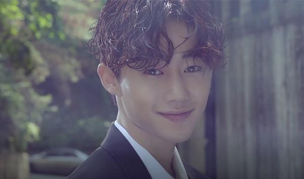 Đặc biệt, khi Tofu Personified mới tung ra teaser trailer, người gây chú ý nhất là Park Ji Bin. Sao nhí một thời giờ đã lột xác vớidiện mạo của một mỹ nam vô cùng cuốn hút.