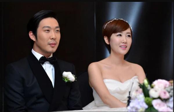 Những sao lớn Hàn Quốc làm đám cưới bất ngờ khiến fan không kịp trở tay - 4