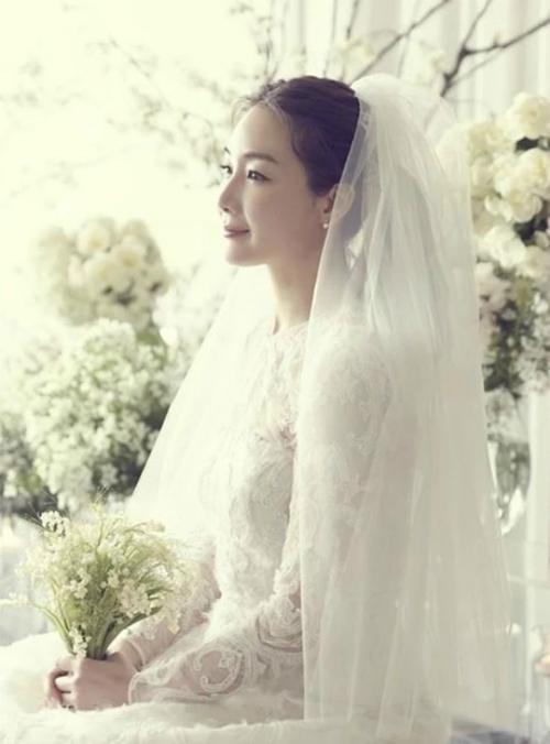 Những sao lớn Hàn Quốc làm đám cưới bất ngờ khiến fan không kịp trở tay