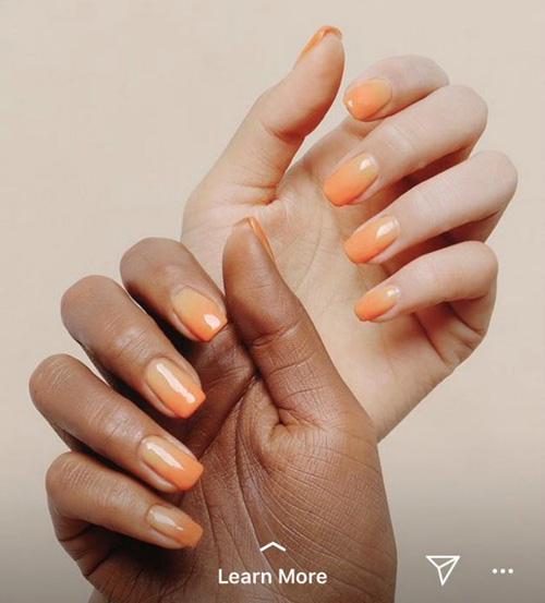 Bức ảnh quảng cáo của StyleNanda bị chỉ trích vì photoshop lỗi.