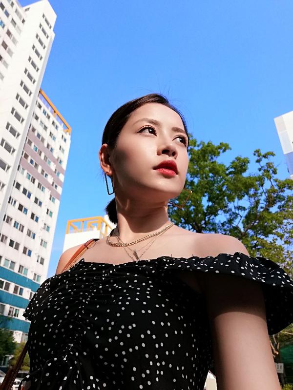 Công nghệ AI trên Nova 3i giúp Chi Pu có được những bức ảnh đẹp hoàn hảo.