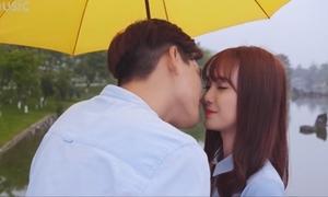 'Thánh nữ bolero' Jang Mi khóa môi trai đẹp