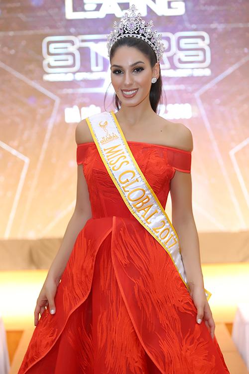 Hoa hậu Hoàn cầu 2017 Barbara Vitorelli.
