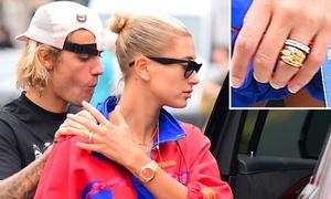 Nhẫn lạ trên tay Hailey làm rộ tin cô và Justin đã kết hôn bí mật