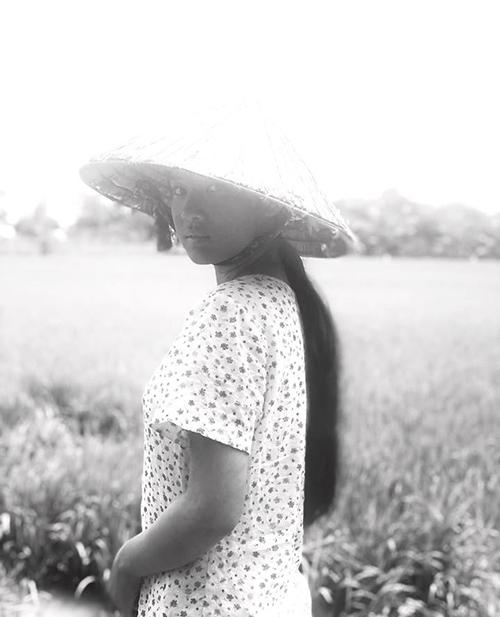 Yến Chibi tiết lộ vai diễn mới của cô nàng sẽ là một cô gái nông thôn đen nhẻm, quê kiểng.