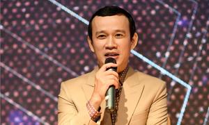 Ông bầu Phúc Nguyễn: 'Đi khách' là quyền của học trò, tôi không can thiệp
