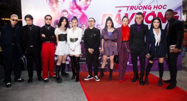 Dàn cast Trường học bá vương nổi loạn trong ngày ra mắt phim