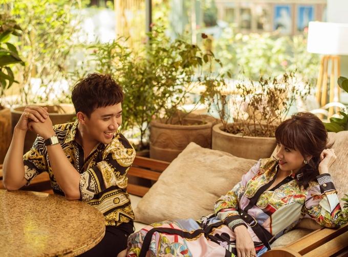 <p> Đến nay, họ được nhận xét là cặp đôi thành công và quyền lực của làng giải trí Việt.</p>