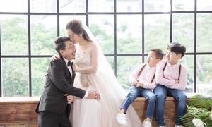 Hứa Minh Đạt - Lâm Vỹ Dạ 'cưới lại' sau 8 năm hạnh phúc