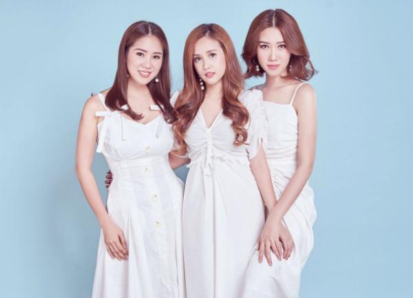 Phương Hằng đảm nhận vai em út trong phim truyền hình Gạo nếp, gạo tẻ.