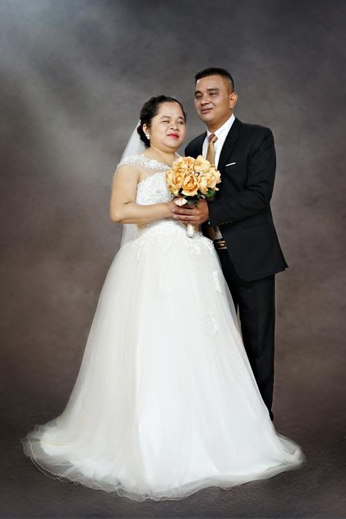 Vừa qua, các thí sinh Hoa hậu Việt Nam 2018 bắt tay thực hiện dự án nhân ái. Ngày hạnh phúc là một dự án chụp ảnh cưới dành cho các cặp đôi khuyết tật do 7 thí sinh thực hiện. Trong 15 cặp đôi, có nhiều người đã đăng ký kết hôn và sinh sống với nhau, nhưng do hoàn cảnh khó khăn nên họ không tổ chức được đám cưới. Một số cặp vợ chồng đã có con lớn nhưng đến nay vẫn chưa có một tấm ảnh cưới cùng nhau.