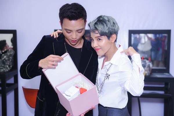 Độ trẻ trung, xì tin của bộ 6 HLV Giọng hát Việt Nhí 2018 - 7