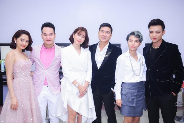 Độ trẻ trung, xì tin của bộ 6 HLV Giọng hát Việt Nhí 2018