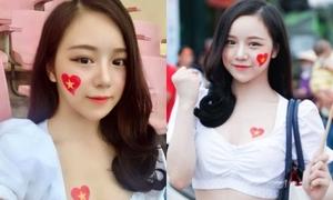 'Hot girl ngủ gật' xinh đẹp cổ vũ U23 Việt Nam