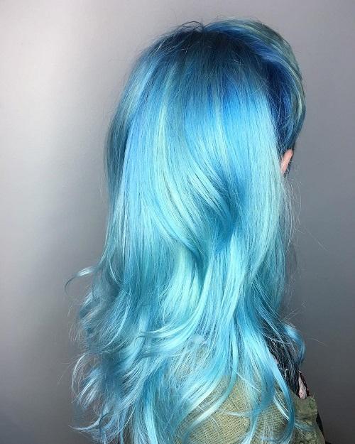 Vốn là chòm sao lập dị, thích gây sốc và không ngại nổi trội theo cách riêng, một mái tóc màu xanh da trời sẽ giúp Bảo Bình tỏa sáng trong đám đông dù ở bất cứ nơi đâu.