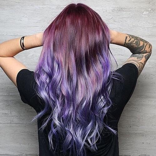 Một mái tóc phủ màu tím mộng mơ lại được nhuộm theo phong cách ombre sẽ rất được lòng các Nhân Mã nhí nhảnh, tinh nghịch, ưa thích sự liều lĩnh.